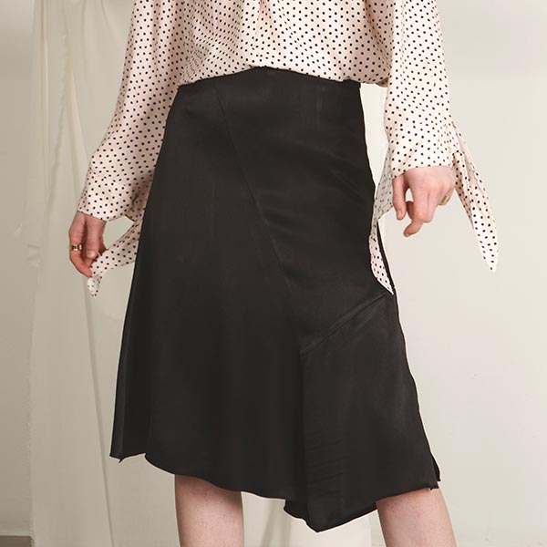 SATIN SILKY BLACK SKIRT NE8SS0800